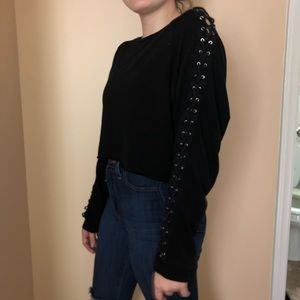 Tops - Cropped sweatshirt